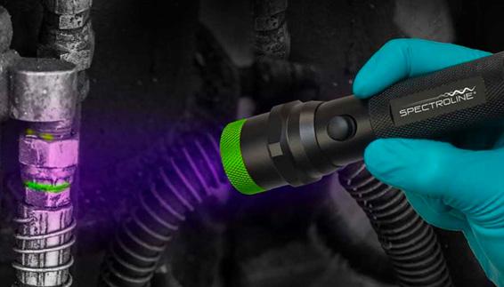 Pinpoint Lecks mit fluoreszierenden Farbstoff